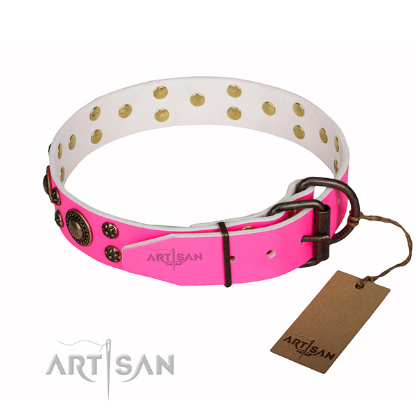 Top notch genuine leather dog collar for handy use