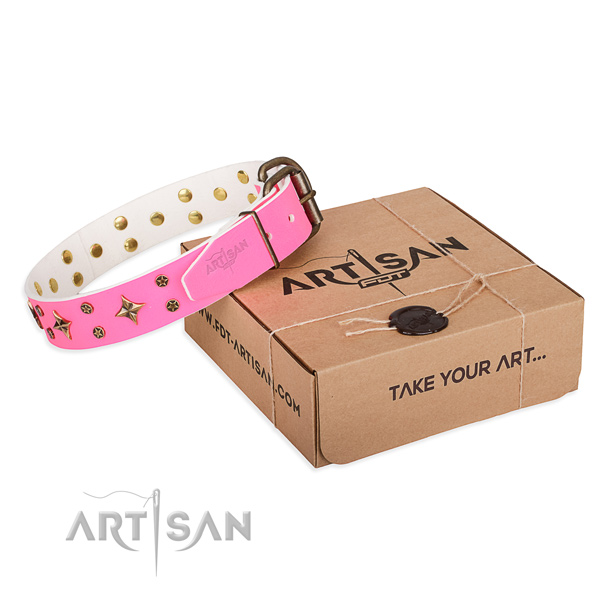 Adorned genuine leather dog collar for handy use