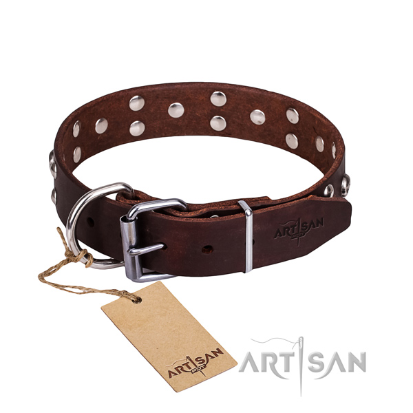 Leather dog collar with worked out edges for pleasant daily walking