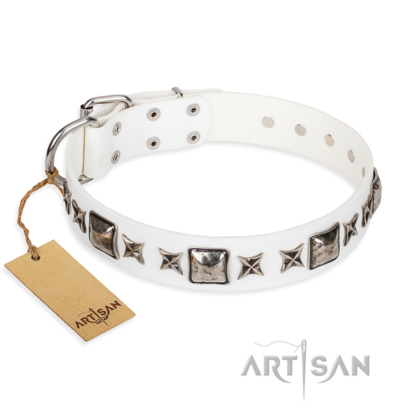 Full grain leather dog collar made of flexible material with reliable D-ring