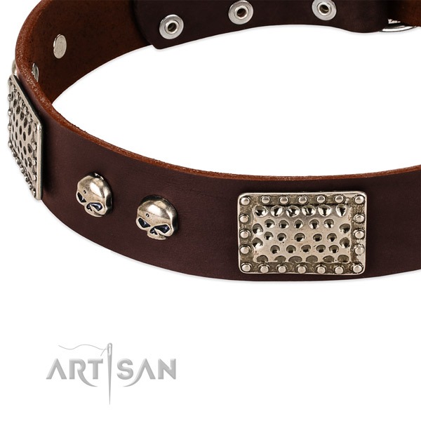 Reliable D-ring on full grain natural leather dog collar for your doggie